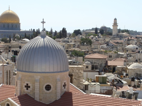 Upserve the 3 religious buildings of the jews, christians and muslims